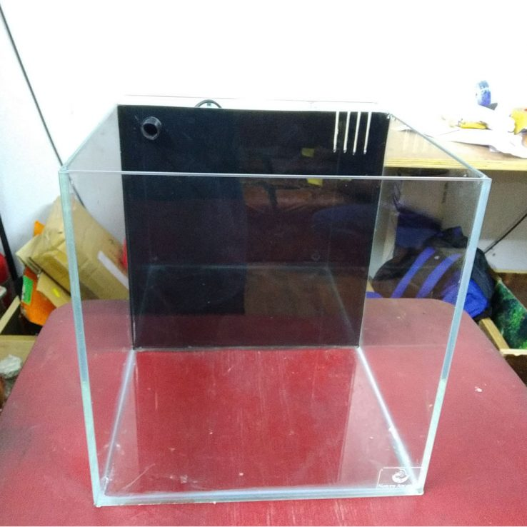 24 Cube Crystal Tank With Backsump