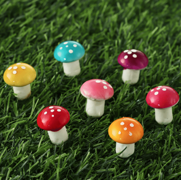 10 MINIATURE ARTIFICIAL FOAM POTTED PLANTS MINI MUSHROOM